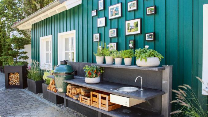 Egal ob im Garten oder auf der Dachterrasse – mit den Outdoor-Küchen von WWOO wird das Kochen zum Erlebnis. (Foto: epr/WWOO)